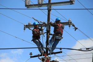pekerja listrik