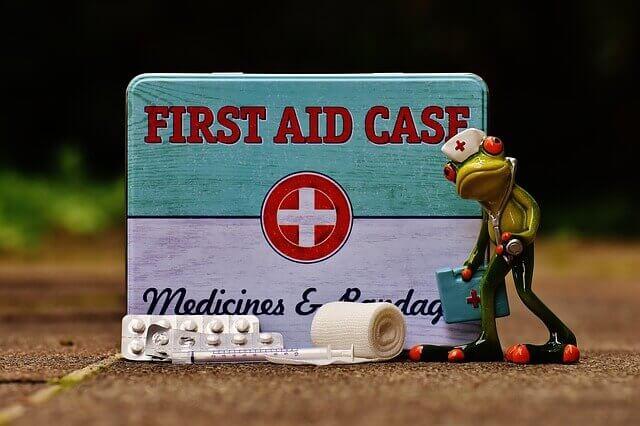 ilustrasi pertolongan pertama
