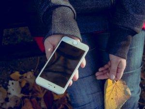Handphone kena Droplets harus dibersihkan
