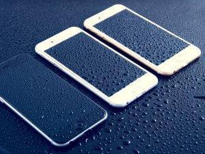 Membersihkan Handphone