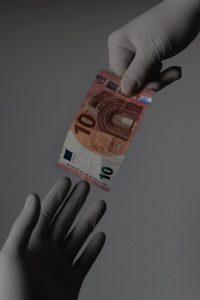 Ilustrasi donasi sebagai bentuk kepedulian sosial